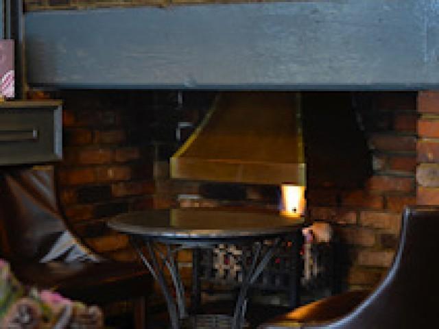 Shamrat cosy fireplace
